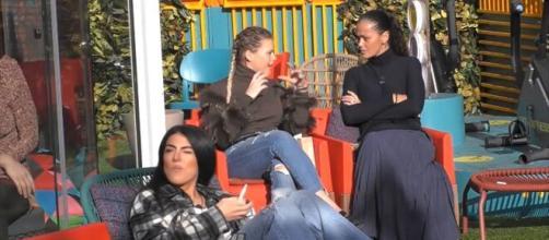GF Vip, Samantha e Carlotta lanciano un appello dopo la nomination: 'Brasile sosteneteci'.