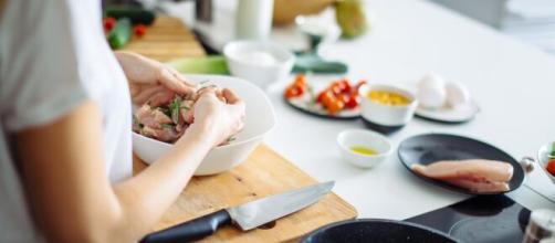 Reiniciar las dietas saludables en enero ayuda a perder peso, después de los excesos navideños.
