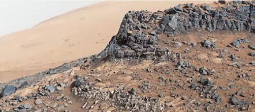 New Mars Curiosity rover pictures. [©ElderFox Documentaries YouTube video]