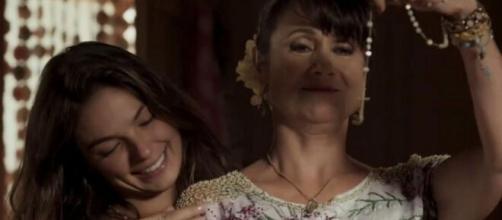 Ritinha e Edinalva em 'A Força do Querer'. (Foto: Globo).