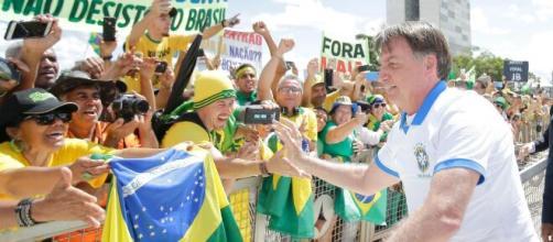Bolsonaro é denunciado por ex-procuradores. (Arquivo Blasting News)