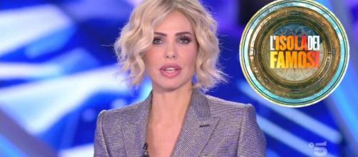 L'isola dei famosi andrà in onda due volte a settimana e la conduttrice sarà Ilary Blasi.
