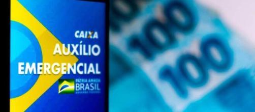 Muitos brasileiros torcem pelo retorno do auxílio emergencial. (Arquivo Blasting News)