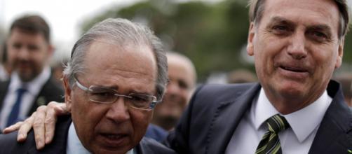 Bolsonaro: Crise fiscal e conflito entre cortar e gastar são desafios em 2021. (Arquivo Blasting News)