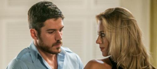 Zeca e Jeiza em cena de 'A Força do Querer' (Reprodução/Rede Globo)