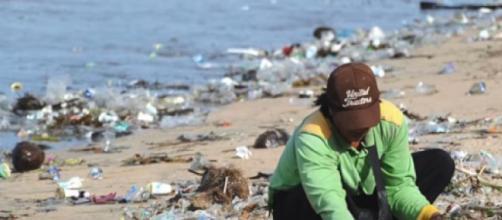 Bali's Kuta beach is swamped by plastic waste. [©CGTN YouTube video]