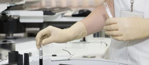 Effetti collaterali vaccino Covid, parla Nicola Magrini di Aifa.