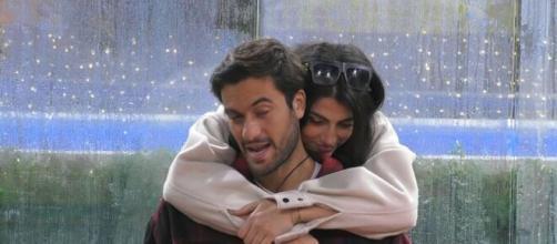 Grande Fratello Vip, Giulia Salemi: 'Sono sulla strada per innamorarmi'.