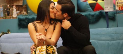 Grande Fratello Vip, Giulia su Pierpaolo: 'Sono sulla strada per innamorarmi'.