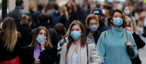 Las comunidades autónomas valoran ampliar el toque de queda por el coronavirus