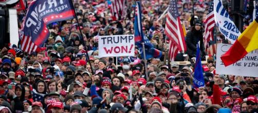 """Trump: """"Nunca nos rendiremos""""."""