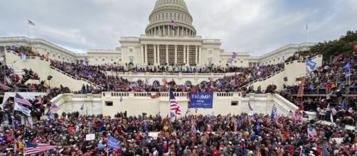 El asalto al Capitolio arroja 4 muertos, 50 heridos y más de 80 arrestos