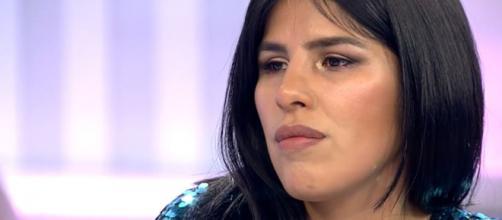 Isa Pantoja se rompe por el dolor del conflicto familiar en el que está sumergida.
