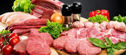 Las carnes rojas son alimentos ricos en hierro.