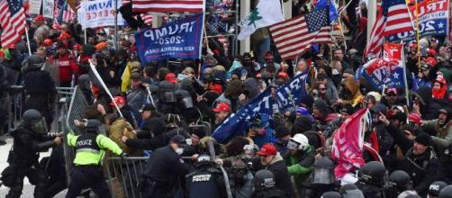 Momento do confronto dos policiais com os manifestantes. (Arquivo Blasting News)
