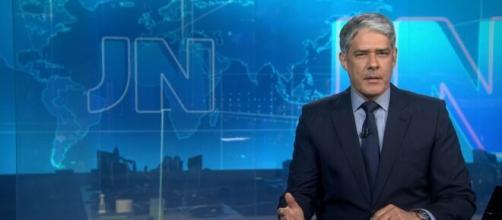 William Bonner diverte web após 'imitar' voz de Bolsonaro. (Reprodução/TV Globo)