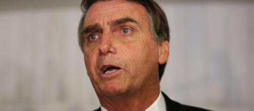 Bolsonaro chama William Bonner de 'canalha' após o jornalista o 'imitar'. (Agência Brasil)