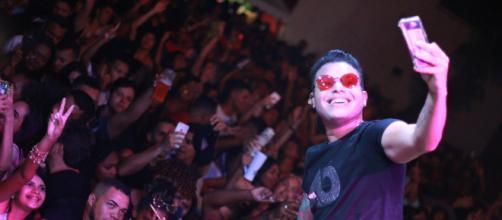 Tierry compôs hits que estourados no Brasil. (Arquivo Blasting News)