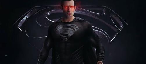 Superman usará el traje negro en el SnyderCut