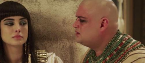 Asenate e Adurrá em 'Gênesis' (Reprodução/Record TV)