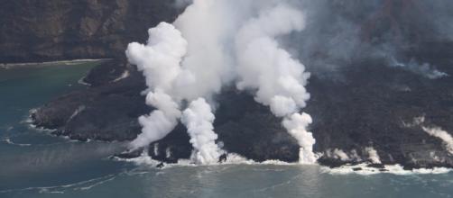 Una de las coladas del volcán podría generar una nueva fajana (Twitter/@involcan)