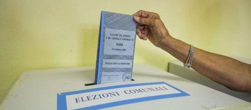 Ballottaggi elezioni comunali 2021, si vota il 17 e 18 ottobre.