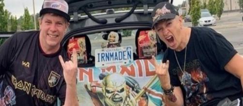 Genitori di una scuola vogliono mandare via la preside perché fan degli Iron Maiden.