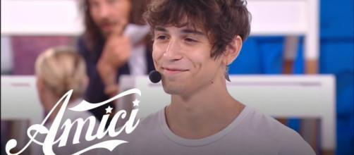 Amici, spoiler riprese 13 ottobre: Alex vince l'inedita prova cantanti, Giacomo rischia.