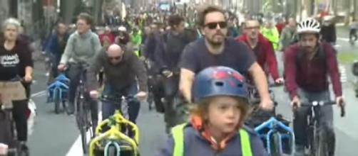Thousands march for climate action in Brussels ahead of COP26 (Image source: Global News/YouTube)