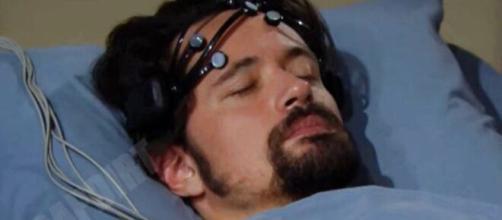 Beautiful, anticipazioni: Thomas vittima di allucinazioni, sviene e finisce in coma