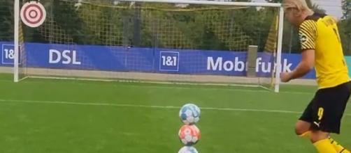 Erling Haaland impressionne avec des penalties hors du commun (capture YouTube)