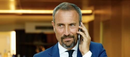 Upas, spoiler al 29 ottobre: Fabrizio fuori controllo, Rossella e Riccardo più vicini.