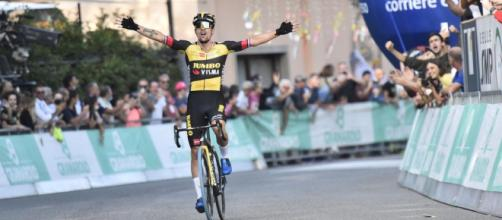 La vittoria di Primoz Roglic al Giro dell'Emilia