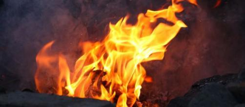 Los manifestantes queman cosas y muestran su disgusto por el referéndum ilegal 1-0 (Creative Commons)