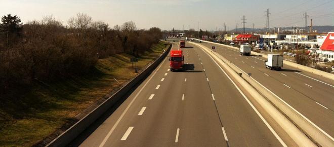 Los transportistas amenazan con una huelga nacional si se implantan los peajes