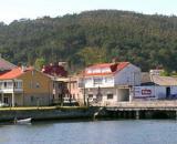 La jueza considera que la localidad Muros-Noia de Galicia no tiene las condiciones para que la madre crie a su hijo. (Wikimedia Commons)