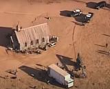 La policía en el set de 'Rust' donde Baldwin mató a Halyna Hutchins. (Captura de pantalla KOATS 7 News)