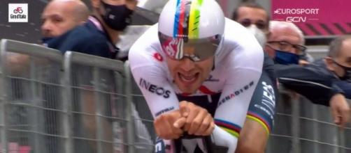 Filippo Ganna impegnato allo scorso Giro d'Italia.