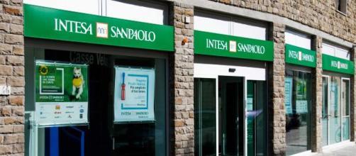 Intesa Sanpaolo cerca impiegati anche senza esperienza, candidature online