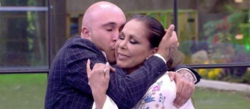 Kiko RIvera e Isabel Pantoja podrían protagonizar una portada juntos (Telecinco)