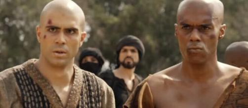 José e Abumani em 'Gênesis', (reprodução/RecordTV)