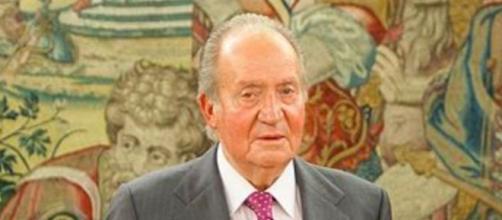 Juan Carlos I revela mucho sobre su autoexilio en el libro de Debray (Wikimedia Commons)