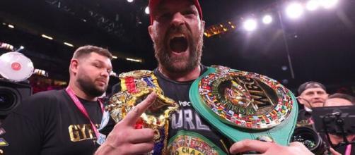 Tyson Fury si conferma campione del mondo dei pesi massimi versione Wbc.