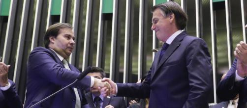 Bolsonaro diz que tudo um dia acaba e deseja que Maia seja feliz. (Arquivo Blasting News)