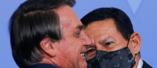 Bolsonaro não chama Mourão para reunião ministerial. (Arquivo Blasting News)