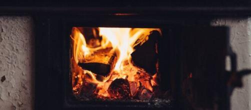 Fogão a lenha é a alternativa encontrada ao custo alto do botijão de gás. (Arquivo Blasting News)