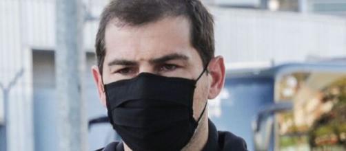 Iker Casillas no se separa de Sara en el hospital