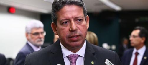 Lira diz que auxílio emergencial de R$ 200 ou R$ 300 fará diferença na vida dos brasileiros. (Arquivo Blasting News)