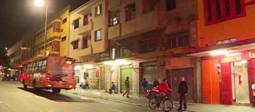 Após passar dia com prostitutas, homem inventou assalto. (Reprodução/TV Globo)