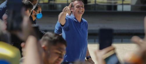 Bolsonaro diz que prorrogação do auxílio pode gerar grande dívida ao Brasil. (Arquivo Blasting News)
